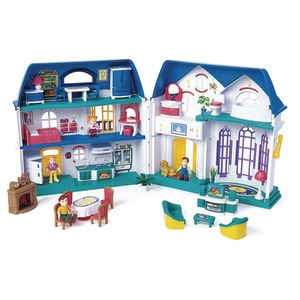 Best Ever Family Dollhouse - 33 Pieces