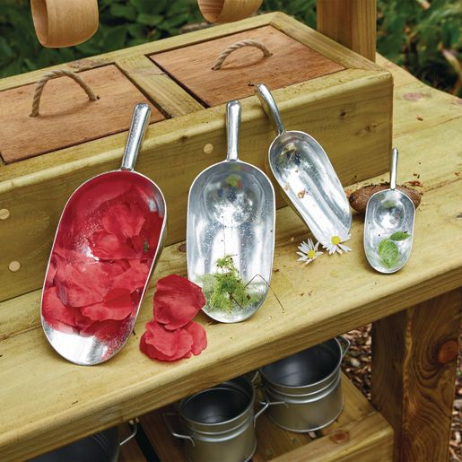 Assorted Metal Messy Play Scoops, 4pk